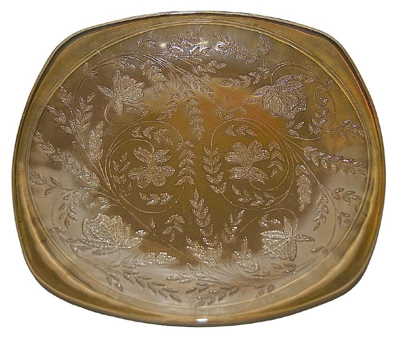 Jeannette Iridescent Floragold Dinner Plate