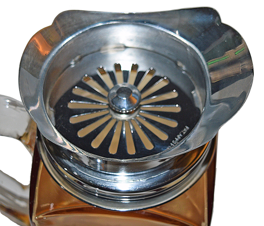 Cambridge 3400/158 Cocktail Shaker Strainer Inside