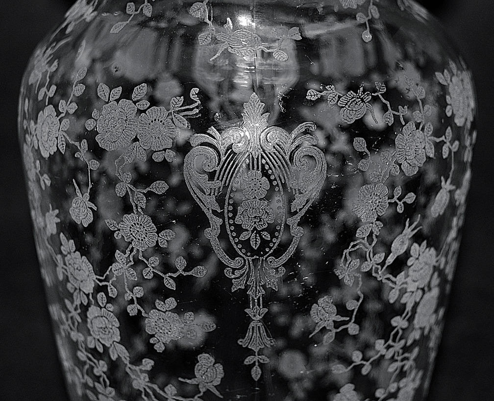 Cambridge Rose Point Vase Pattern Close Up