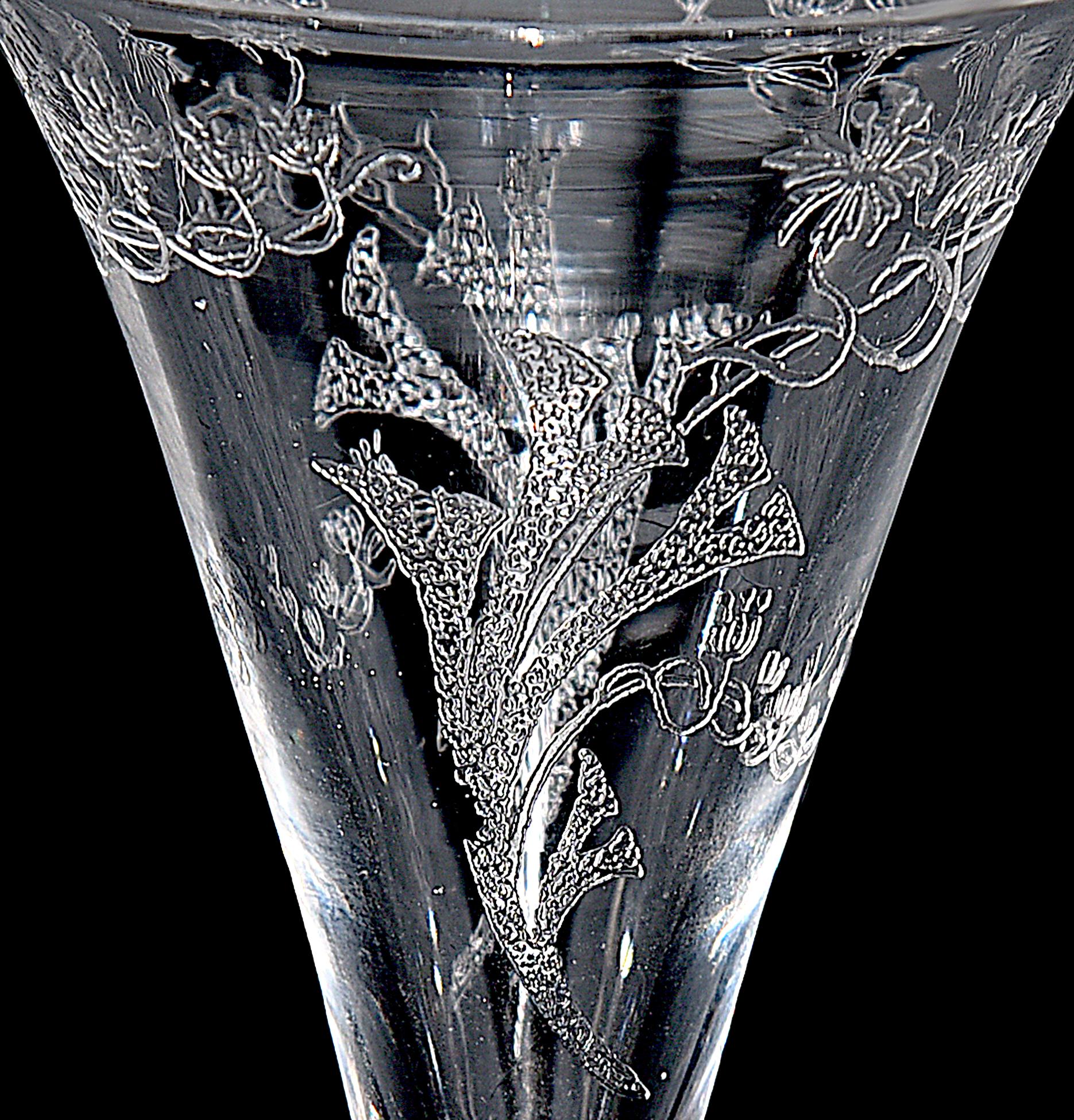 Central Glass Works Floral Trumpets Wine Goblet Top