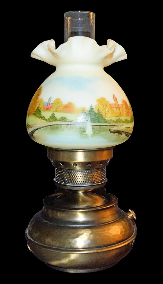 Fenton Ohio State Hand-Painted  #7204 Hammered Colonial Lamp with Alumni Logo