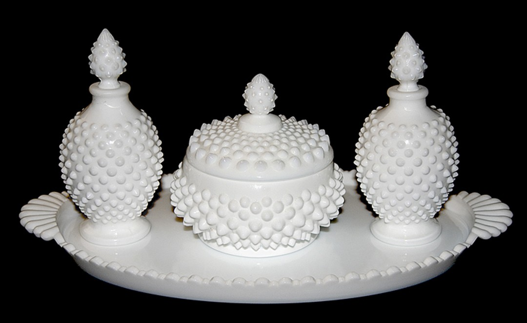 Fenton Hobnail #3805 WMG Vanity Set and Tray