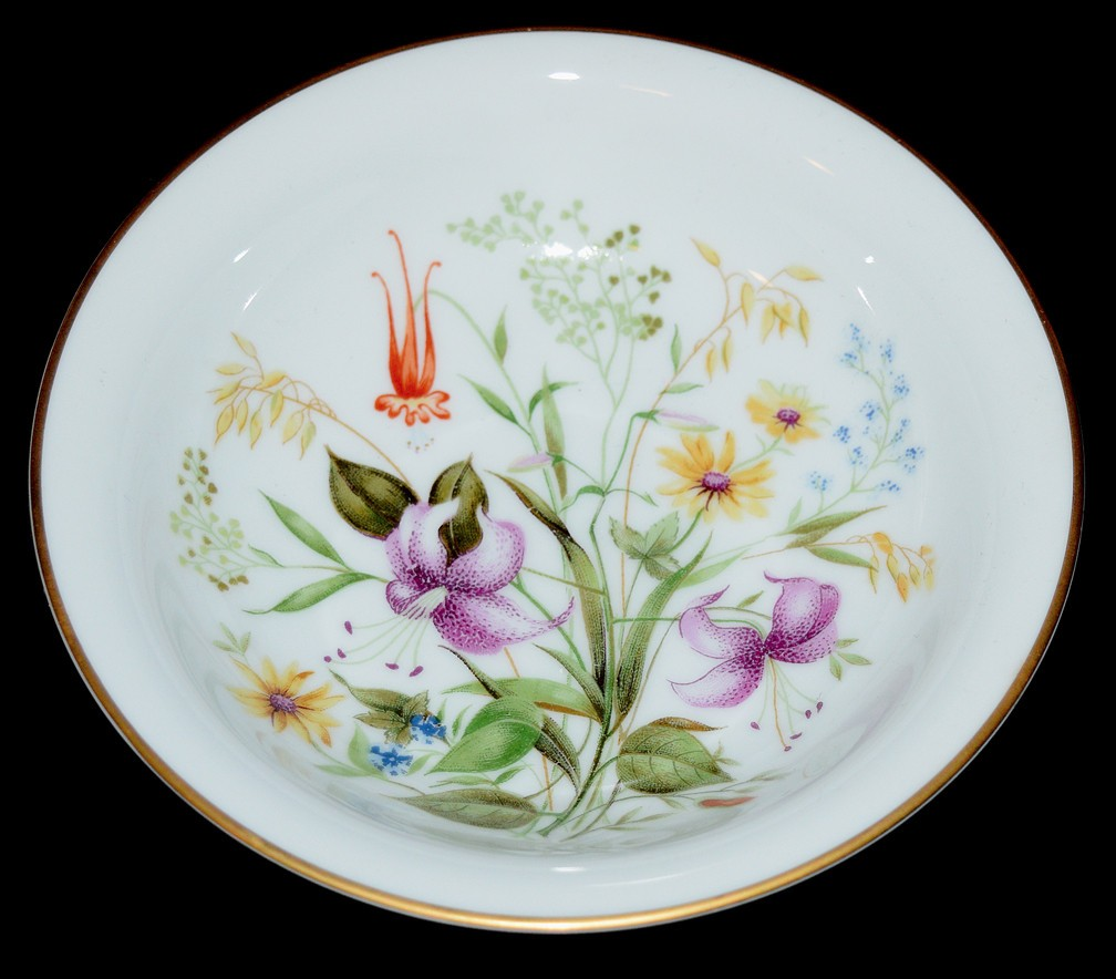 Noritake Mystery #164 Small Berry / Fruit