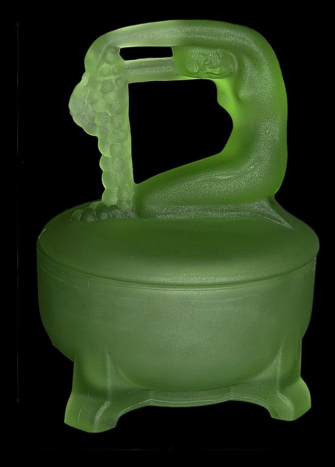 Depression Deco Green Satin Dermay / Rapunzel  Powder Jar