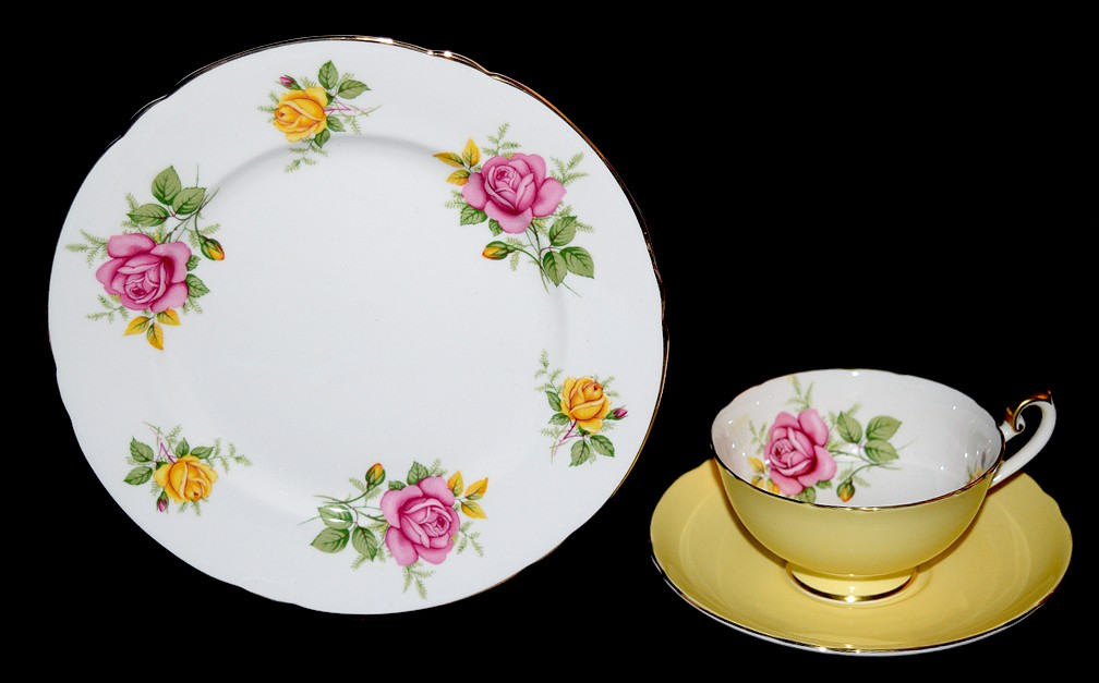 Shelley #14247 Pink and Yellow Roses on Lincoln Blank Trio / Plate, Cup and Saucer