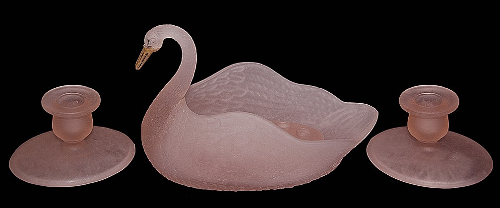L.E.Smith Depression Glass Pink Satin Swan Console Bowl / Candlesticks & Flower Frog