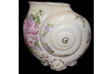 Cambridge #SS42 Nautilus Crown Tuscan Charleton Hand Painted Shell Vase