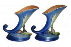 Roseville Pine Cone Blue #126 Cornucopia Candlesticks