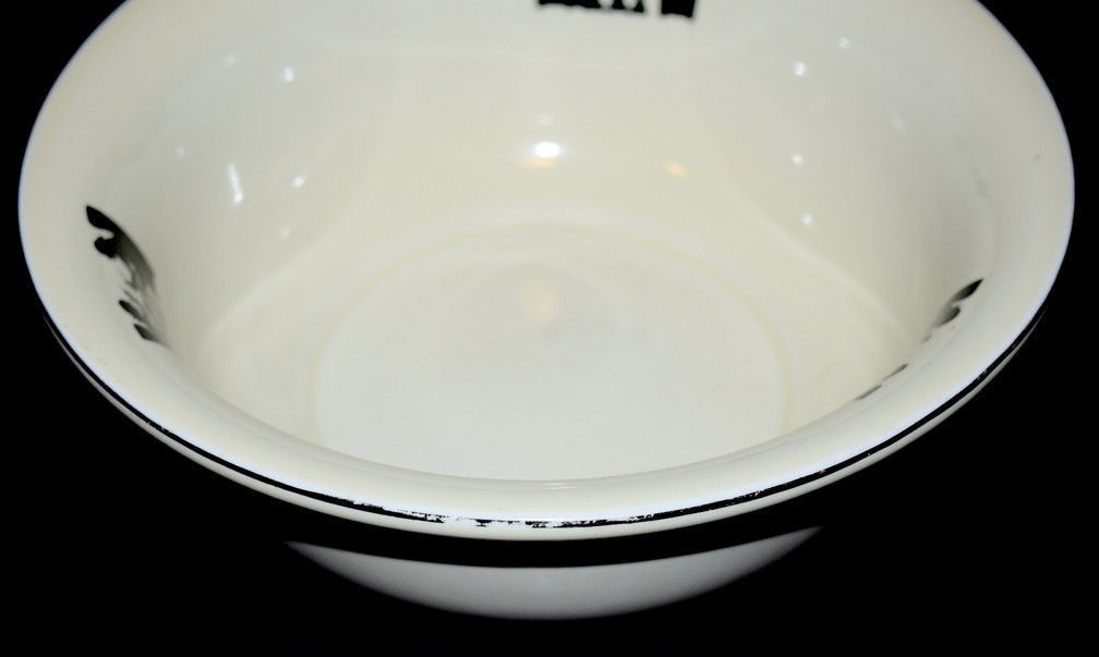 Silhouette Bowl Silver Close-Up
