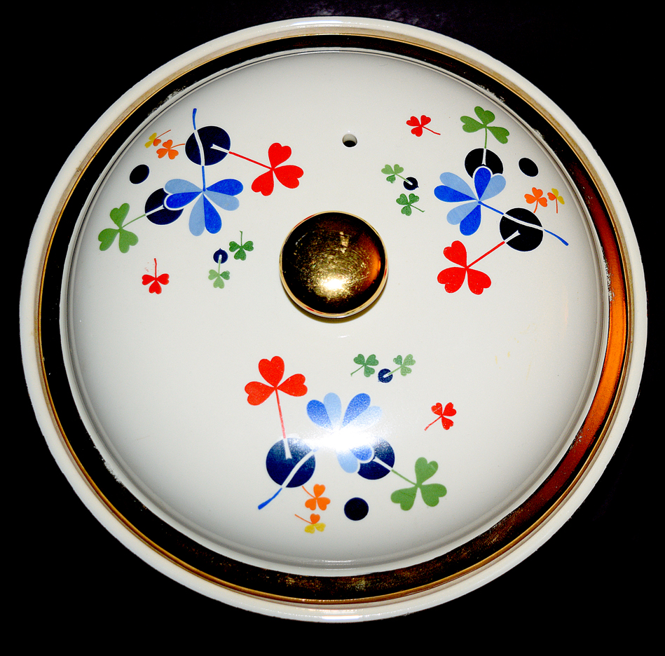 HALL GOLDEN CLOVER LARGE ROUND CASSEROLE THE TOP