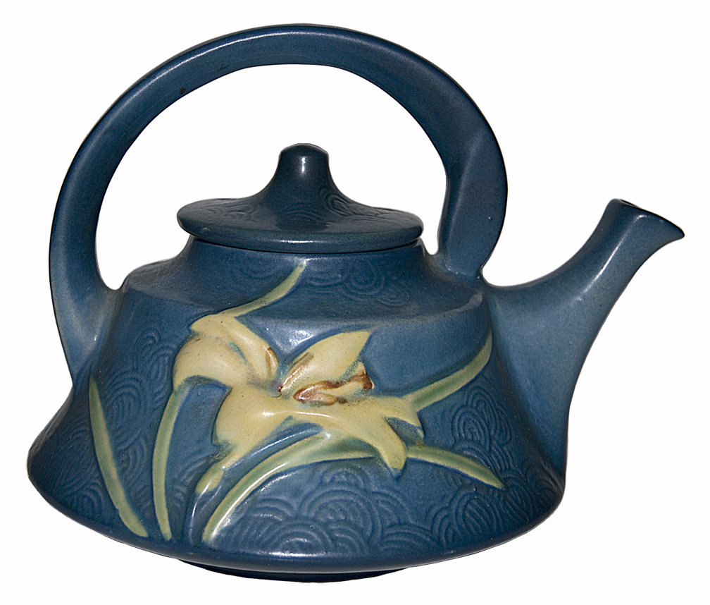 Roseville Zephyr Lily Blue Teapot The Other Side