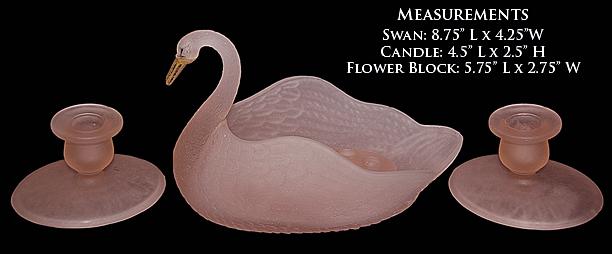 L.E.Smith Swan Console Set