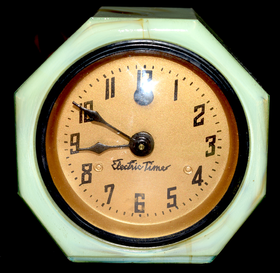 Vidrio Electric Time Clock Front
